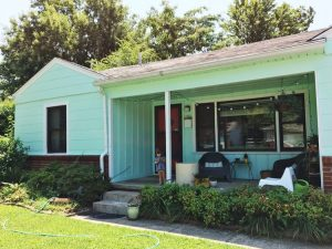 Cut Costs Using These DIY Home Exterior Painting Tips